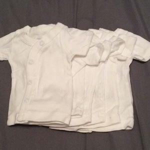 6 basic white t-shirt's